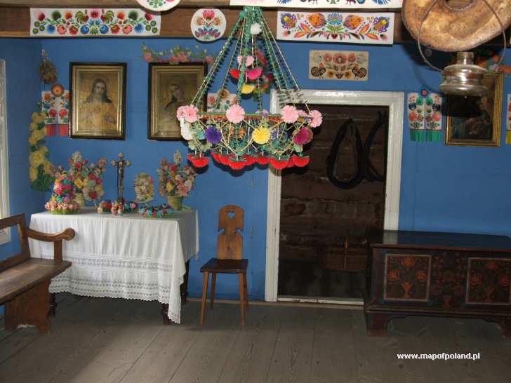 Wnętrze chaty chłopskiej, skansen wsi łowickiej - Małszyce