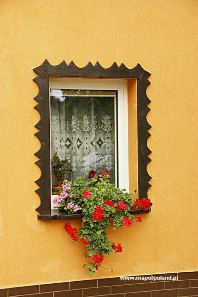 Okno z kwiatami - Wambierzyce