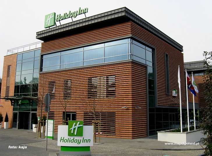 "Nowy Hotel ""holiday Inn"" W Bydgoszczy  Zdjęcie 17563689. The Farthings Hotel. Hotel Royal Ramblas. Ambassador Hotel. Abangane Guest Lodge. Spa And Sport Resort Sveti Martin Apartments. Hotel Flor De Sal. Hotel Be Angkor. Hotel Fattoria Belvedere"