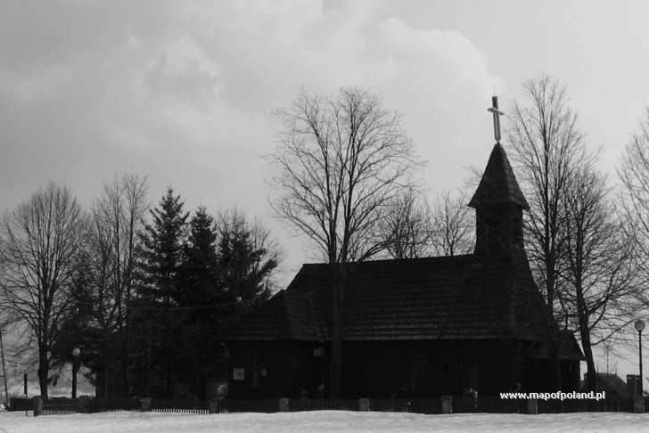 Kościół na Stecówce - zdjęcie o zmroku - Istebna