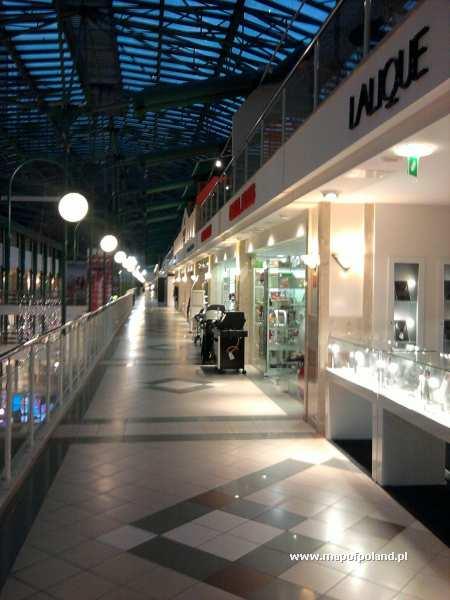 """Centrum handlowe """"Promenada"""" - Warszawa"""